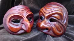 masque-de-sorciere-et-masque-de-type-okina-de-den.jpg