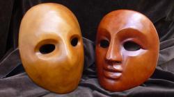 masque-vide-et-masque-neutre-de-den.jpg